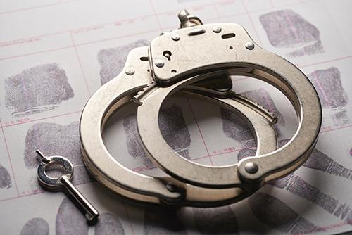 Afinal, o crime de falso testemunho admite prisão em flagrante?